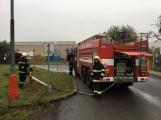 AKTUÁLNĚ: V příbramských Kovohutích hoří, na místě zasahuje několik hasičských jednotek (28)