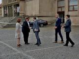 Kulturní dům se možná dočká rekonstrukce. Přislíbil ji ministr kultury Staněk a zastupitel města Petr Větrovský (19)