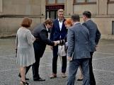 Kulturní dům se možná dočká rekonstrukce. Přislíbil ji ministr kultury Staněk a zastupitel města Petr Větrovský (22)