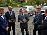 Kulturní dům se možná dočká rekonstrukce. Přislíbil ji ministr kultury Staněk a zastupitel města Petr Větrovský (26)