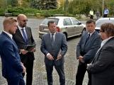 Kulturní dům se možná dočká rekonstrukce. Přislíbil ji ministr kultury Staněk a zastupitel města Petr Větrovský (27)