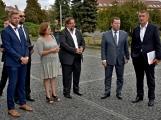 Kulturní dům se možná dočká rekonstrukce. Přislíbil ji ministr kultury Staněk a zastupitel města Petr Větrovský (1)