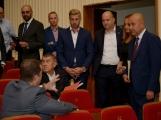 Kulturní dům se možná dočká rekonstrukce. Přislíbil ji ministr kultury Staněk a zastupitel města Petr Větrovský (14)