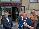 Kulturní dům se možná dočká rekonstrukce. Přislíbil ji ministr kultury Staněk a zastupitel města Petr Větrovský (15)