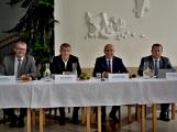 Kulturní dům se možná dočká rekonstrukce. Přislíbil ji ministr kultury Staněk a zastupitel města Petr Větrovský (34)