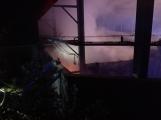 AKTUÁLNĚ: V příbramských Kovohutích hoří, na místě zasahuje několik hasičských jednotek (19)