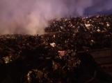 AKTUÁLNĚ: V příbramských Kovohutích hoří, na místě zasahuje několik hasičských jednotek (8)