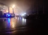AKTUÁLNĚ: V příbramských Kovohutích hoří, na místě zasahuje několik hasičských jednotek (11)