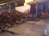 AKTUÁLNĚ: V příbramských Kovohutích hoří, na místě zasahuje několik hasičských jednotek (14)