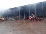 AKTUÁLNĚ: V příbramských Kovohutích hoří, na místě zasahuje několik hasičských jednotek (16)