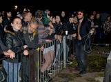 Březnické sobotní nebe rozzářil ohňostroj a světla Rockfestu ()