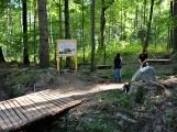 Vojenské lesy otevřely v Brdech naučnou stezku, která představuje minulost i budoucnost brdské přírody ()