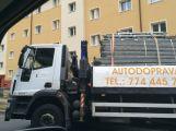 U náměstí se propadl náklaďák s lešením, úsek je uzavřený (AKTUÁLNĚ) (3)