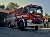 V Zalužanech uvítali hasiči novou Scanii (42)