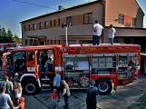 V Zalužanech uvítali hasiči novou Scanii (1)