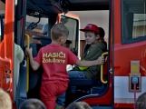 V Zalužanech uvítali hasiči novou Scanii (31)