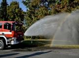 V Zalužanech uvítali hasiči novou Scanii (27)