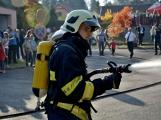 V Zalužanech uvítali hasiči novou Scanii (23)