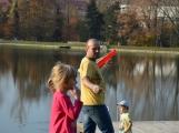 Bezvětří rozhýbalo děti i dospělé (41)
