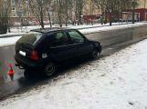 Dvě auta se srazila v ulici Politických vězňů ()
