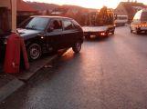 Řidič nezvládl svůj vůz a naboural do plotu (2)