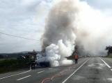 Aktuálně: Na Strakonické začala hořet dodávka, zasahují hasiči. Doprava je ochromena, vytváří se kolony ()