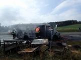 Aktuálně: Na Strakonické začala hořet dodávka, zasahují hasiči. Doprava je ochromena, vytváří se kolony (9)