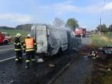 Aktuálně: Na Strakonické začala hořet dodávka, zasahují hasiči. Doprava je ochromena, vytváří se kolony (2)