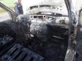 Aktuálně: Na Strakonické začala hořet dodávka, zasahují hasiči. Doprava je ochromena, vytváří se kolony (7)