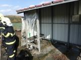 Aktuálně: Na Strakonické začala hořet dodávka, zasahují hasiči. Doprava je ochromena, vytváří se kolony (20)