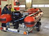Profesionální hasiči z Dobříše dostali nový přívěs pro záchranný člun (11)