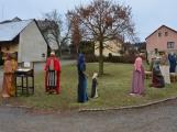 V Čenkově je k vidění ohromný betlém ze sena ()