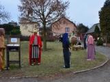 V Čenkově je k vidění ohromný betlém ze sena (13)