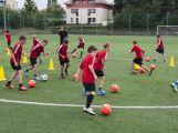 Na Spartaku trénují mladí fotbalisté, mají svůj letní kemp (7)