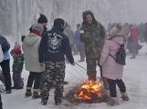 Zimní Brdy uvítaly účastníky pochodu pořádnou sněhovou nadílkou (95)