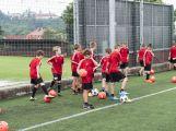 Na Spartaku trénují mladí fotbalisté, mají svůj letní kemp (3)