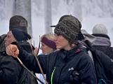 Zimní Brdy uvítaly účastníky pochodu pořádnou sněhovou nadílkou (1)