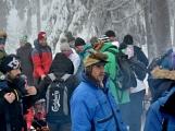Zimní Brdy uvítaly účastníky pochodu pořádnou sněhovou nadílkou (46)