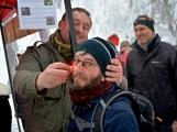 Zimní Brdy uvítaly účastníky pochodu pořádnou sněhovou nadílkou (35)