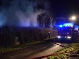Na Živohošti byla požárem zasažena celá chata (8)