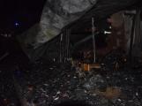 Na Živohošti byla požárem zasažena celá chata (4)