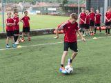 Na Spartaku trénují mladí fotbalisté, mají svůj letní kemp (2)