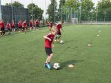 Na Spartaku trénují mladí fotbalisté, mají svůj letní kemp (9)
