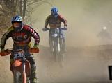 S jarním oteplením vyrazili motocyklisté nejen na silnice, ale i do terénu (18)