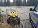 Policie zadržela muže, kteří jezdili v CHKO Brdy na čtyřkolkách (1)