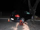 Série dopravních nehod nekončí ani po půlnoci, k další byl přivolán i záchranářský vrtulník (11)
