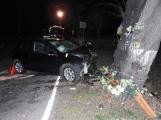 Série dopravních nehod nekončí ani po půlnoci, k další byl přivolán i záchranářský vrtulník (12)