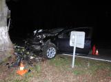 Série dopravních nehod nekončí ani po půlnoci, k další byl přivolán i záchranářský vrtulník (18)