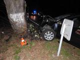 Série dopravních nehod nekončí ani po půlnoci, k další byl přivolán i záchranářský vrtulník (9)