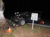 Série dopravních nehod nekončí ani po půlnoci, k další byl přivolán i záchranářský vrtulník (1)